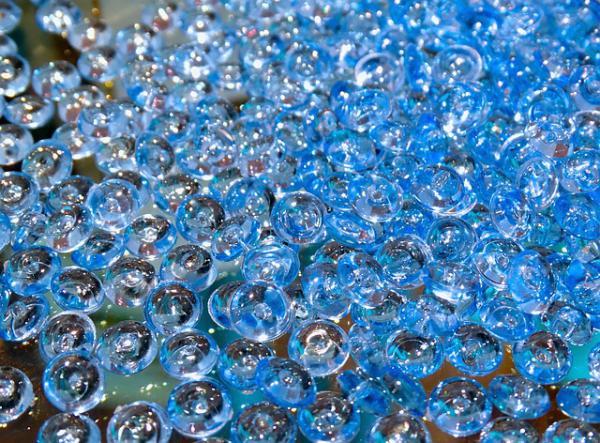 glass-beads-455446_640